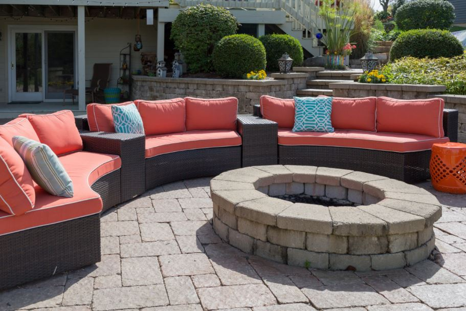 Top Ways to Spruce Up Your Outdoor Space